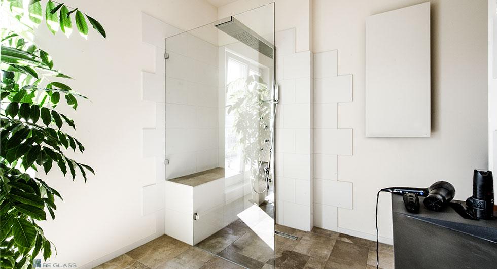 Walk In Duschen aus Glas, bodengleich oder bodeneben nach Maß.