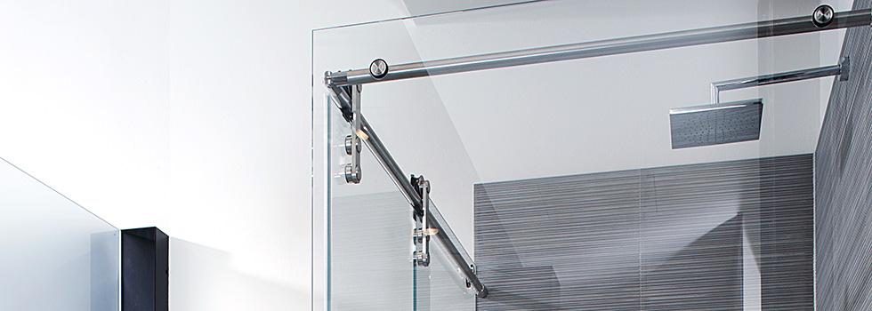 Exklusive Glas-Duschen mit Schiebetüren: STEEL Edelstahl von BE GLASS.