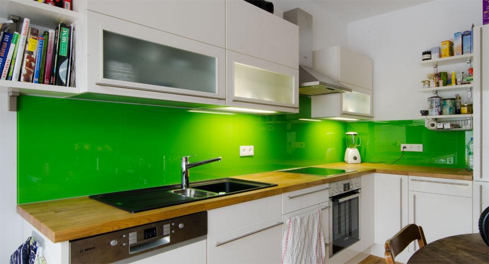 Spritzschutz aus Glas als Küchenrückwand
