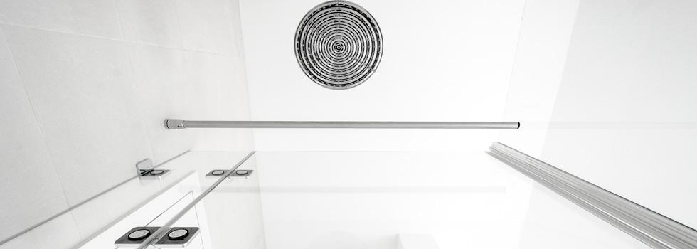 Duschen selbsthebend, bodengleich, bündig für Duschkabinen.